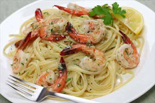 nudeln mit garnelen rezept f r spaghetti mit gambas. Black Bedroom Furniture Sets. Home Design Ideas