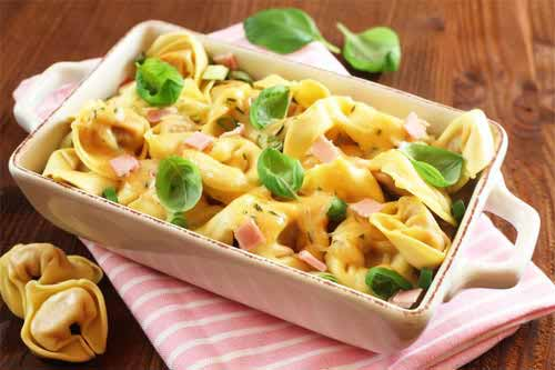 Rezept für Tortellini al Forno mit Schinken-Sahne-Soße: